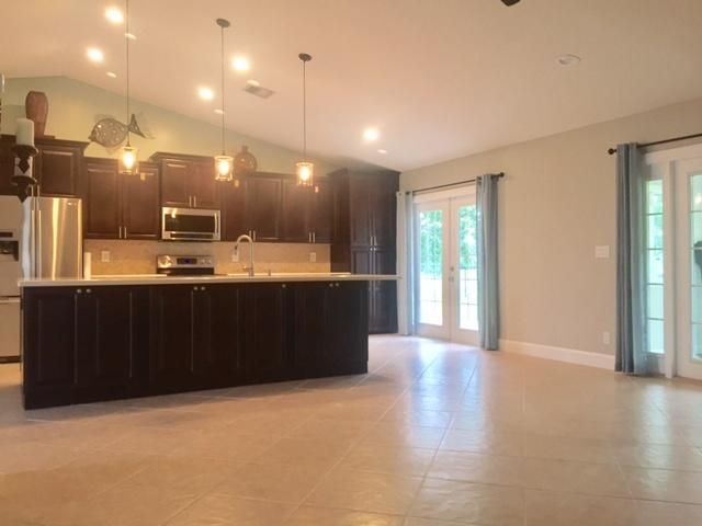 Additional photo for property listing at 120 Sycamore Drive  Royal Palm Beach, Florida 33411 United States