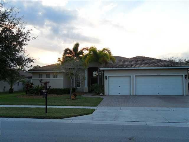 1477 Stonehaven Estates Drive  West Palm Beach, FL 33411