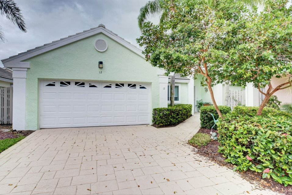 12 Commodore Place , Palm Beach Gardens FL 33418 is listed for sale as MLS Listing RX-10361149 25 photos