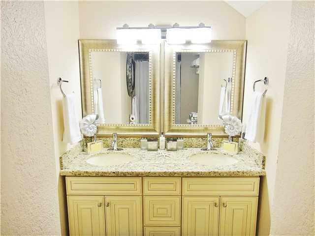 Additional photo for property listing at 2389 Holly Lane 2389 Holly Lane Palm Beach Gardens, Florida 33410 United States