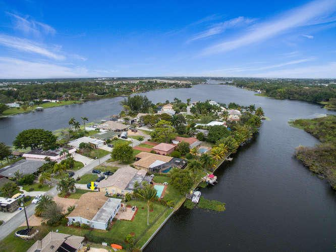 Additional photo for property listing at 6670 Paul Mar Drive 6670 Paul Mar Drive Lake Worth, Florida 33462 United States