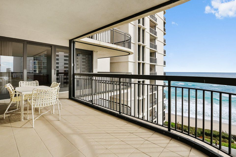 Additional photo for property listing at 5380 N Ocean Drive 5380 N Ocean Drive Singer Island, Florida 33404 United States
