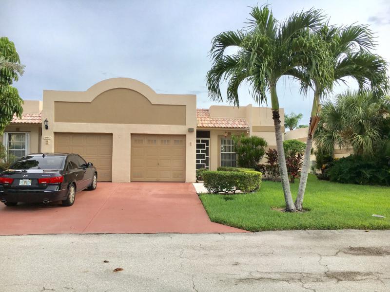 别墅 为 销售 在 9201 Fairbanks Lane 9201 Fairbanks Lane 博卡拉顿, 佛罗里达州 33496 美国