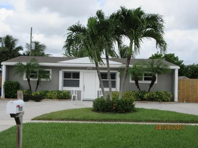 9381 Bloomfield Drive , Palm Beach Gardens FL 33410 is listed for sale as MLS Listing RX-10362496 6 photos