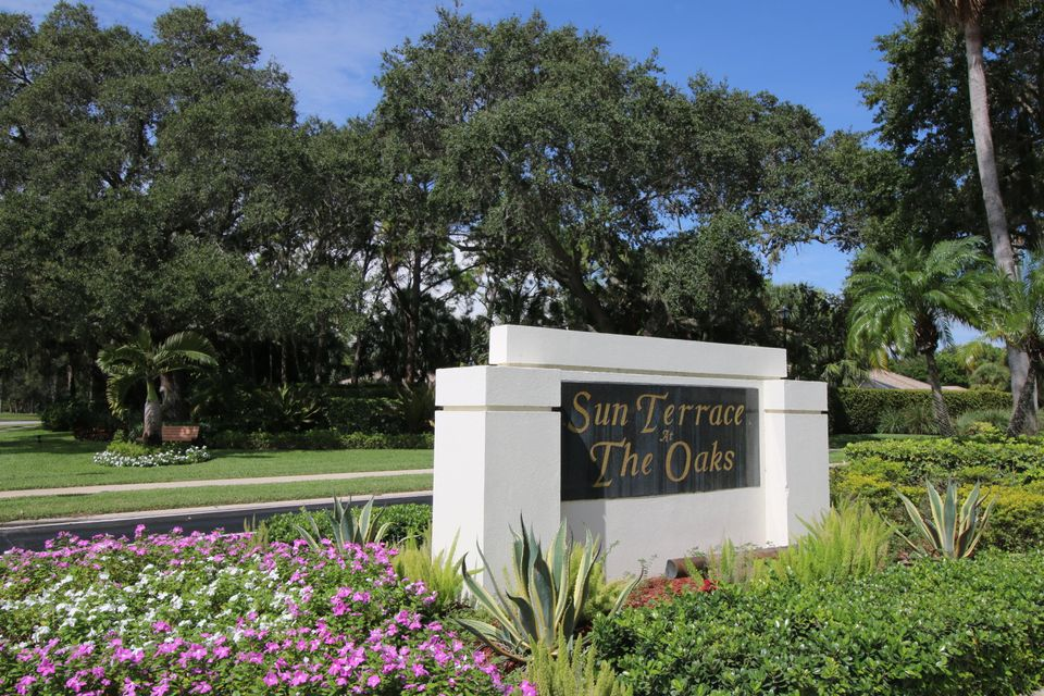 3302 Pin Oak Court 33-B , Palm Beach Gardens FL 33410 is listed for sale as MLS Listing RX-10362590 24 photos