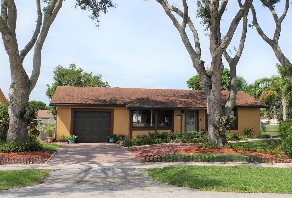Single Family Home for Sale at 9849 Spanish Isles Drive Boca Raton, Florida 33496 United States