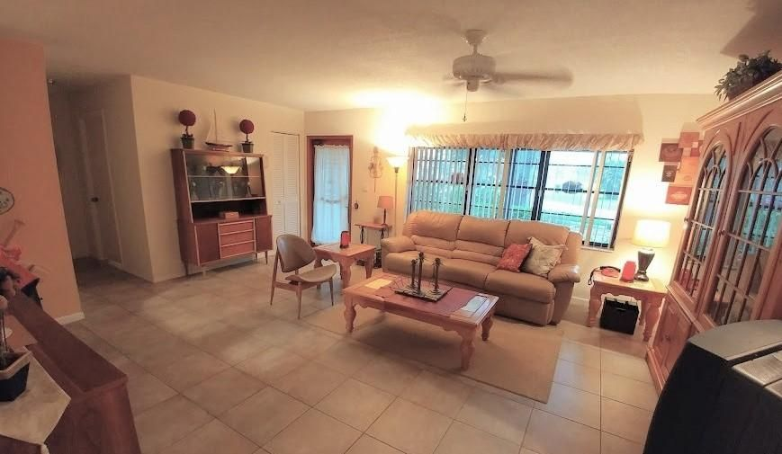 Additional photo for property listing at 9849 Spanish Isles Drive  Boca Raton, Florida 33496 United States