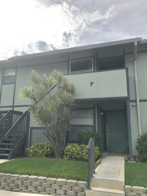 合作社 / 公寓 为 销售 在 8388 SE Croft Circle 8388 SE Croft Circle Hobe Sound, 佛罗里达州 33455 美国