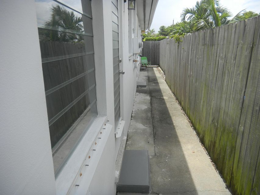Additional photo for property listing at 1418 N Federal Highway 1418 N Federal Highway Lake Worth, Florida 33460 Vereinigte Staaten