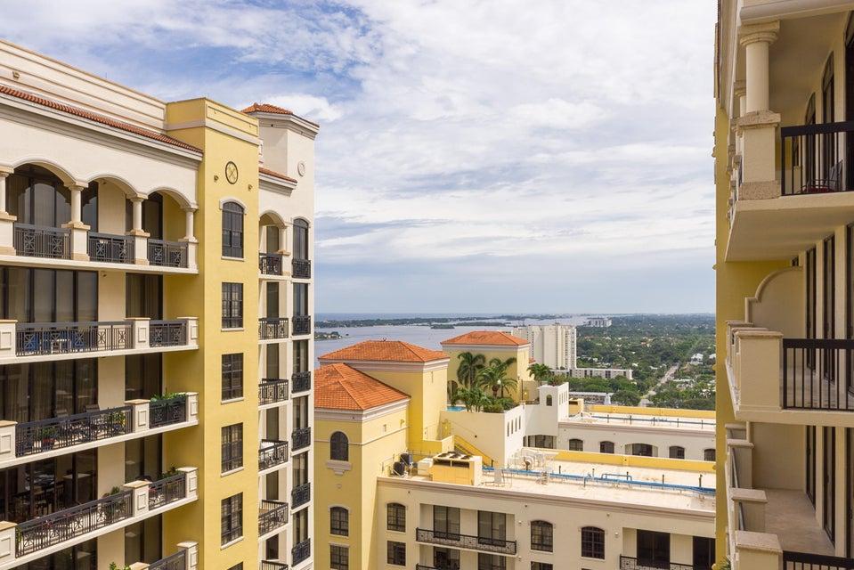 Konsum / Eigentumswohnung für Verkauf beim 701 S Olive Avenue 701 S Olive Avenue West Palm Beach, Florida 33401 Vereinigte Staaten