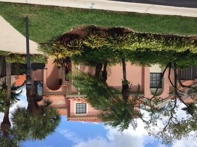 2543 La Lique Circle , Palm Beach Gardens FL 33410 is listed for sale as MLS Listing RX-10362726 22 photos