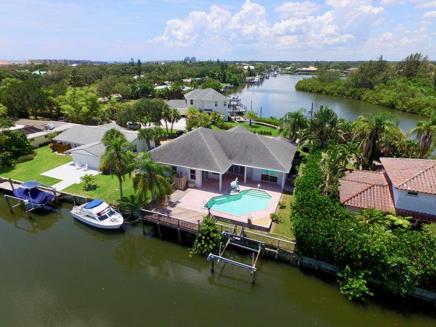 独户住宅 为 销售 在 705 Bahia Mar Road 705 Bahia Mar Road 维罗海滩, 佛罗里达州 32963 美国