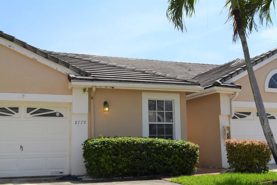 Home for sale in SUTTON WATERSIDE Coral Springs Florida