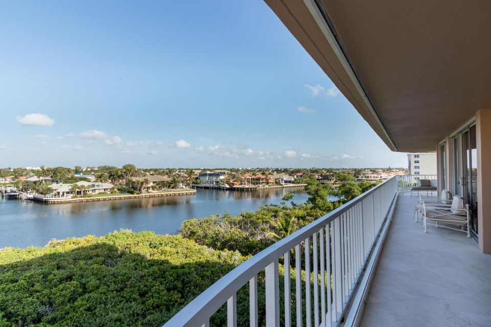 Konsum / Eigentumswohnung für Verkauf beim 3210 S Ocean Boulevard 3210 S Ocean Boulevard Highland Beach, Florida 33487 Vereinigte Staaten