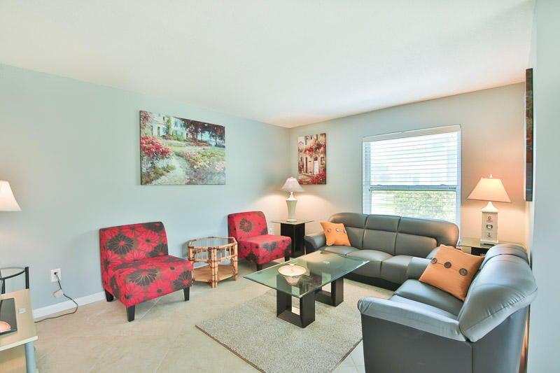 Additional photo for property listing at 717 S Us Highway 1 717 S Us Highway 1 Jupiter, Florida 33477 États-Unis