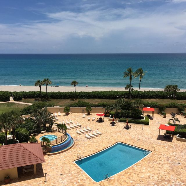 Additional photo for property listing at 100 Ocean Trail Way 100 Ocean Trail Way Jupiter, Florida 33477 États-Unis
