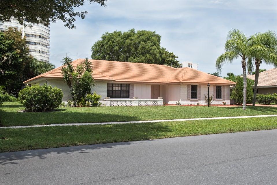 Einfamilienhaus für Verkauf beim 2001 Embassy Drive 2001 Embassy Drive West Palm Beach, Florida 33401 Vereinigte Staaten