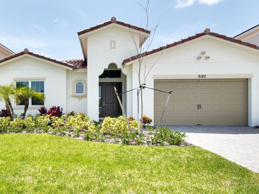 Maison unifamiliale pour l Vente à 9180 Greenspire Lane 9180 Greenspire Lane Lake Worth, Florida 33467 États-Unis