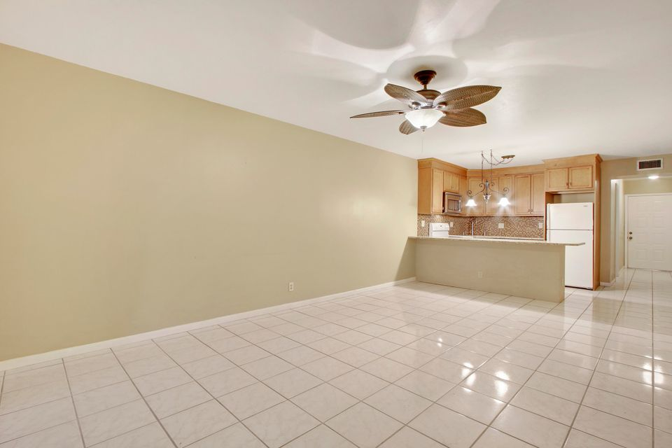 Additional photo for property listing at 701 Avenue L 701 Avenue L Delray Beach, Florida 33483 Vereinigte Staaten