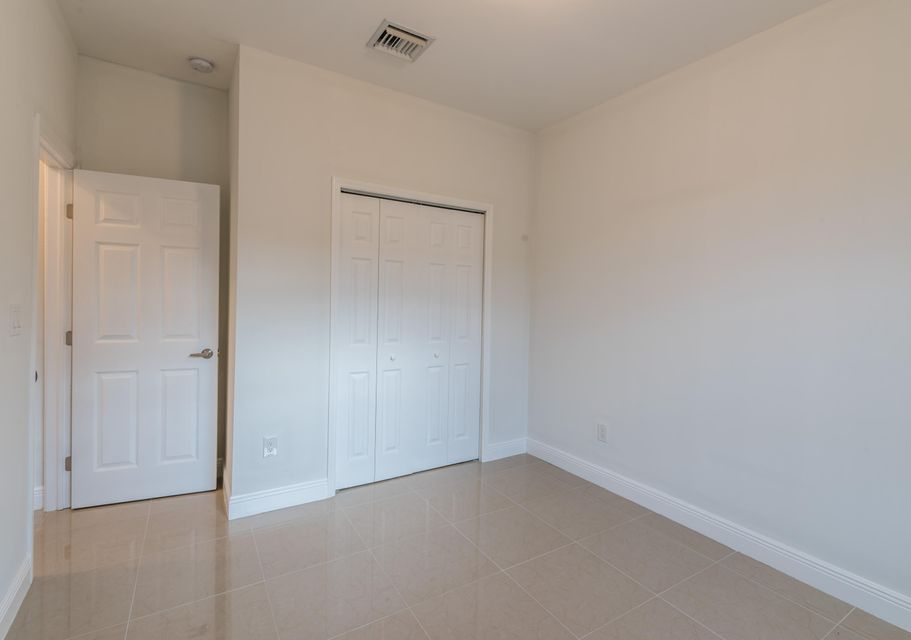 Additional photo for property listing at 2952 Ohio Street 2952 Ohio Street West Palm Beach, Florida 33406 United States