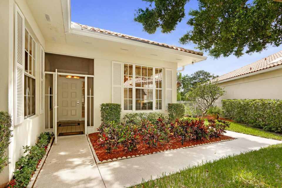 152 Lost Bridge Drive , Palm Beach Gardens FL 33410 is listed for sale as MLS Listing RX-10363054 20 photos