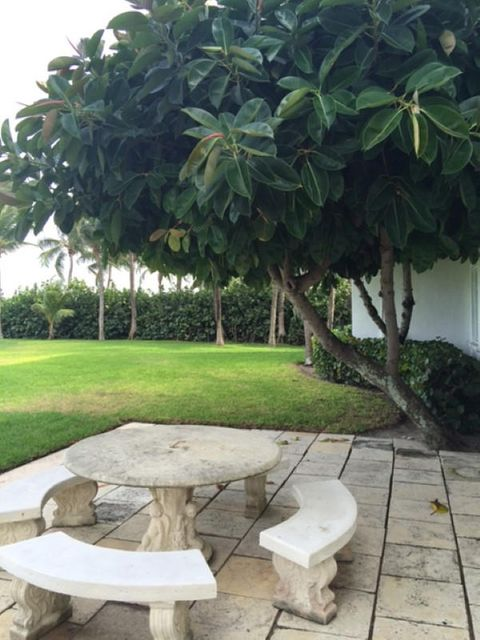 Additional photo for property listing at 473 N County Road 473 N County Road Palm Beach, Florida 33480 United States