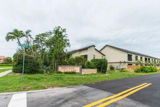 Additional photo for property listing at 1647 Cabot Lane # A 8 1647 Cabot Lane # A 8 Wellington, Florida 33414 United States
