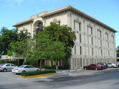 Offices للـ Sale في 3500 N State Road 7 3500 N State Road 7 Lauderdale Lakes, Florida 33309 United States