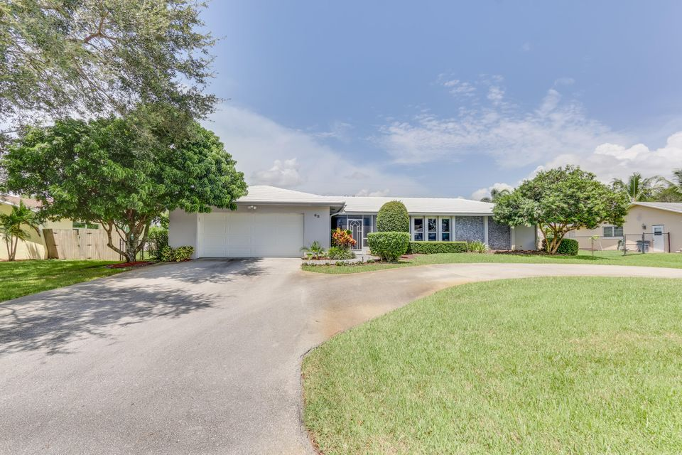 62 W Palm Avenue , Lake Worth FL 33467 is listed for sale as MLS Listing RX-10361498 41 photos