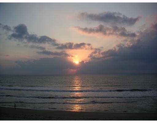 Cooperativa / condomínio para Locação às 155 Florida A1a 155 Florida A1a Satellite Beach, Florida 32937 Estados Unidos