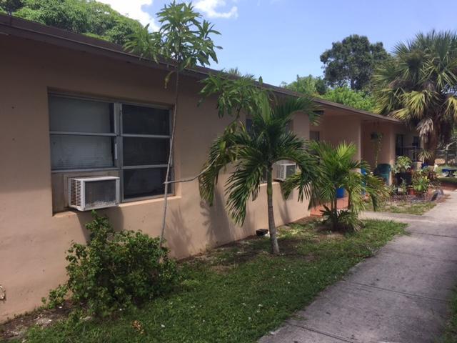 Quadraplex pour l Vente à 410 9 410 9 Fort Pierce, Florida 34950 États-Unis