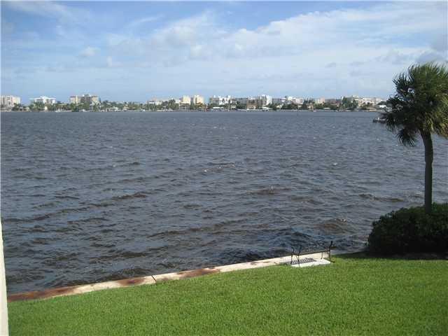 Konsum / Eigentumswohnung für Mieten beim 890 N Federal Highway 890 N Federal Highway Lantana, Florida 33462 Vereinigte Staaten