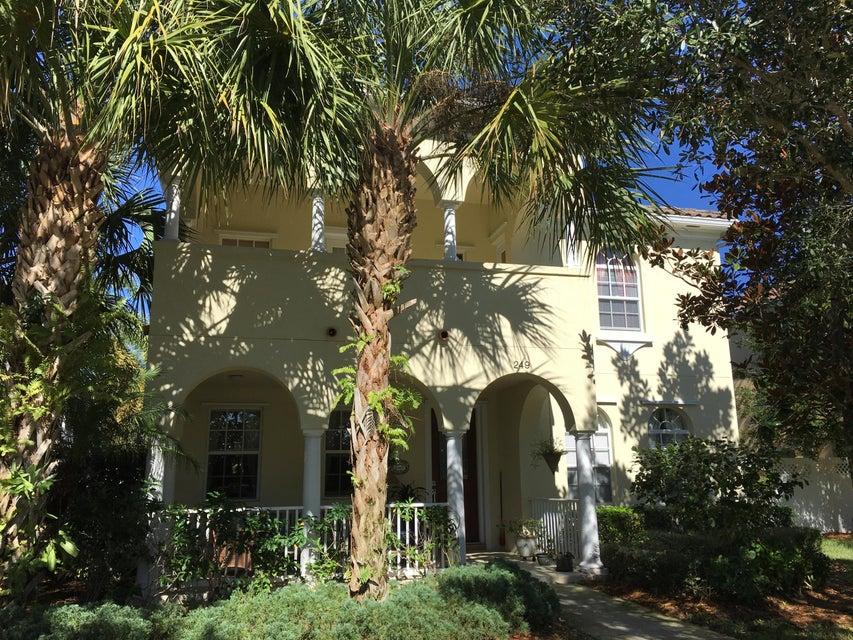 Alquiler por un Alquiler en 249 Florence Drive 249 Florence Drive Jupiter, Florida 33458 Estados Unidos