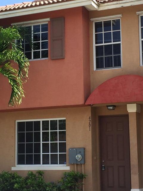 Casa unifamiliar adosada (Townhouse) por un Venta en 4201 Napoli Lake Drive 4201 Napoli Lake Drive Riviera Beach, Florida 33410 Estados Unidos