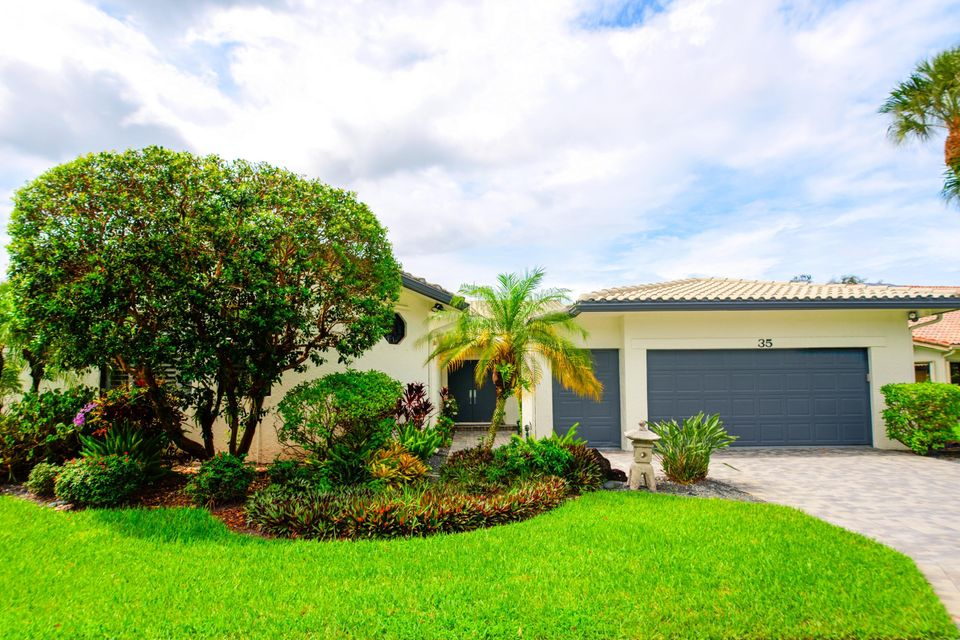Cooperativa / condomínio para Venda às 35 Hampshire 35 Hampshire Boynton Beach, Florida 33436 Estados Unidos