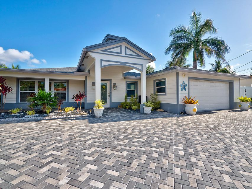 Single Family Home for Sale at 118 Neptune Drive 118 Neptune Drive Hypoluxo, Florida 33462 United States