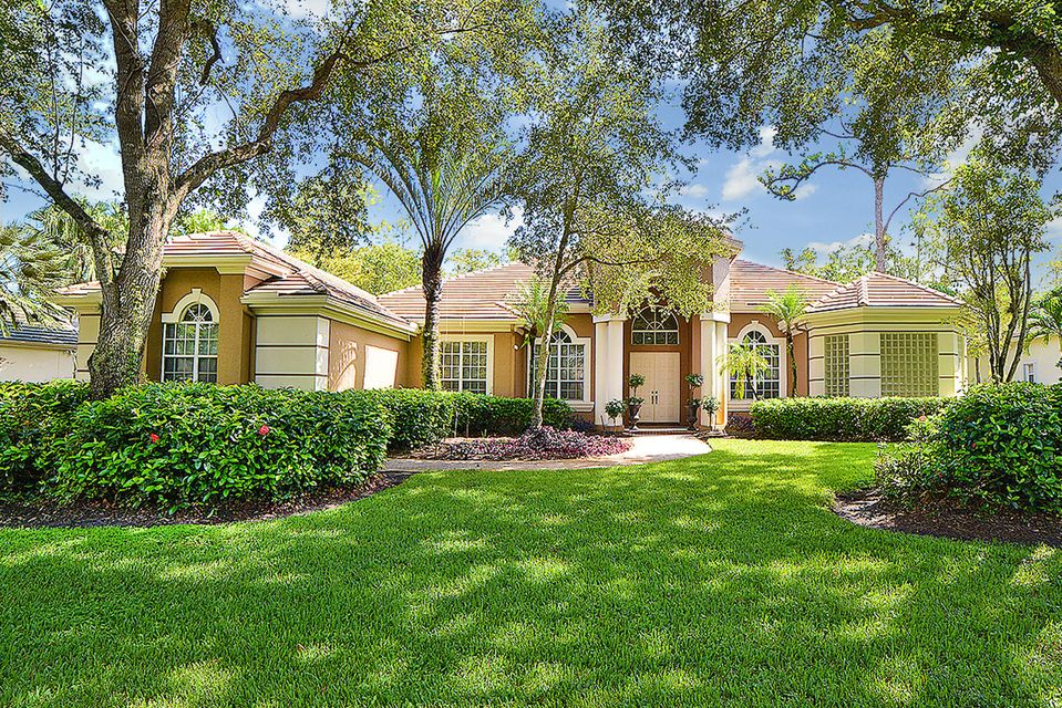 814 Forest Glen Lane  Wellington, FL 33414