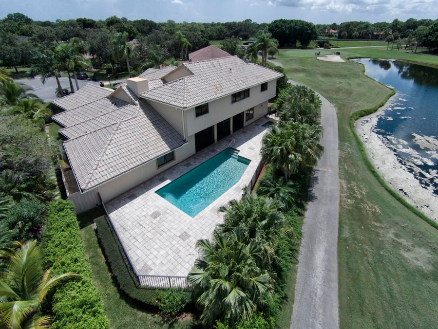 Additional photo for property listing at 10 Surrey Road 10 Surrey Road Palm Beach Gardens, Florida 33418 United States