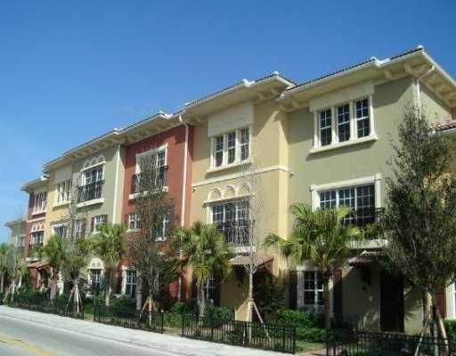 Townhouse for Rent at 531 S Federal Highway 531 S Federal Highway Lake Worth, Florida 33460 United States