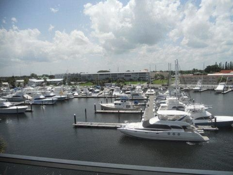 Co-op / Condo for Sale at 29 Yacht Club Drive 29 Yacht Club Drive North Palm Beach, Florida 33408 United States