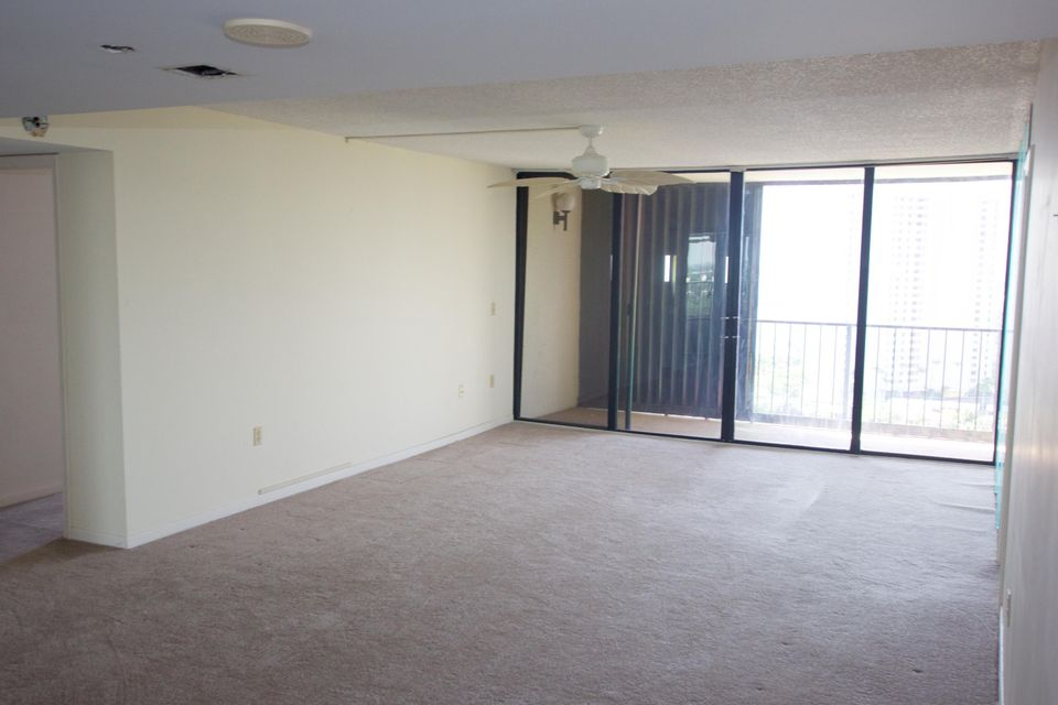 Co-op / Condo for Sale at 5600 N Flagler Drive 5600 N Flagler Drive West Palm Beach, Florida 33407 United States
