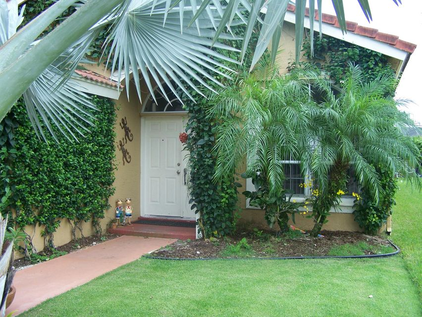 Additional photo for property listing at 12964 Kingsdale Lane 12964 Kingsdale Lane Wellington, Florida 33414 United States