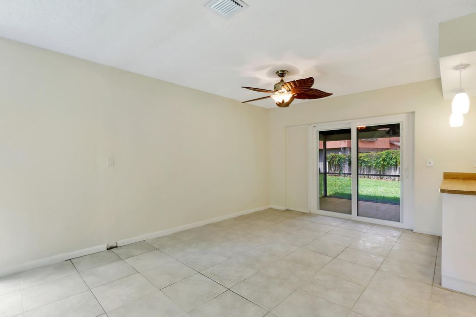 412  Sandtree Drive , Palm Beach Gardens FL 33403 is listed for sale as MLS Listing RX-10363555 photo #5