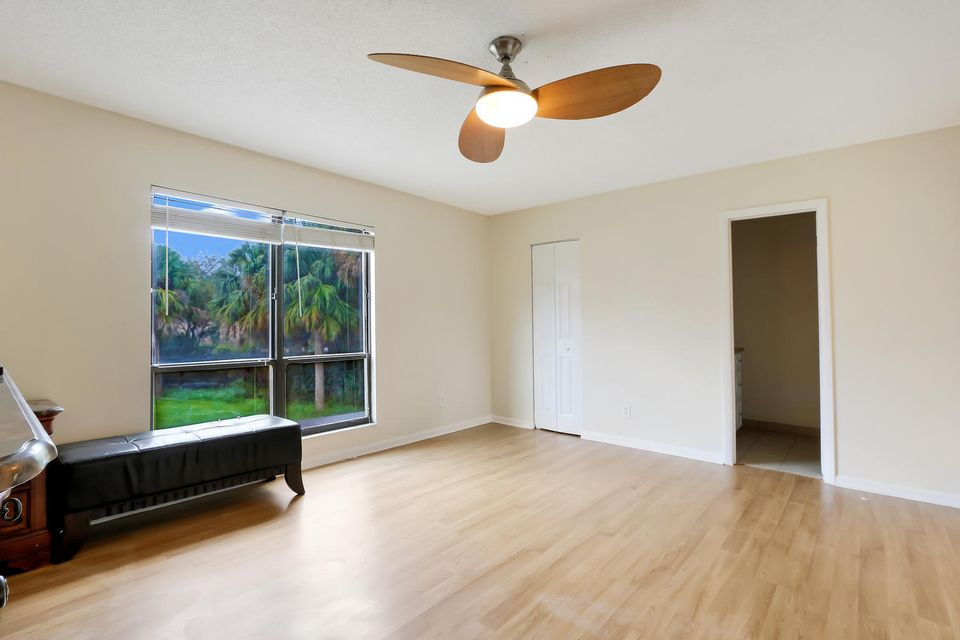 412  Sandtree Drive , Palm Beach Gardens FL 33403 is listed for sale as MLS Listing RX-10363555 photo #11