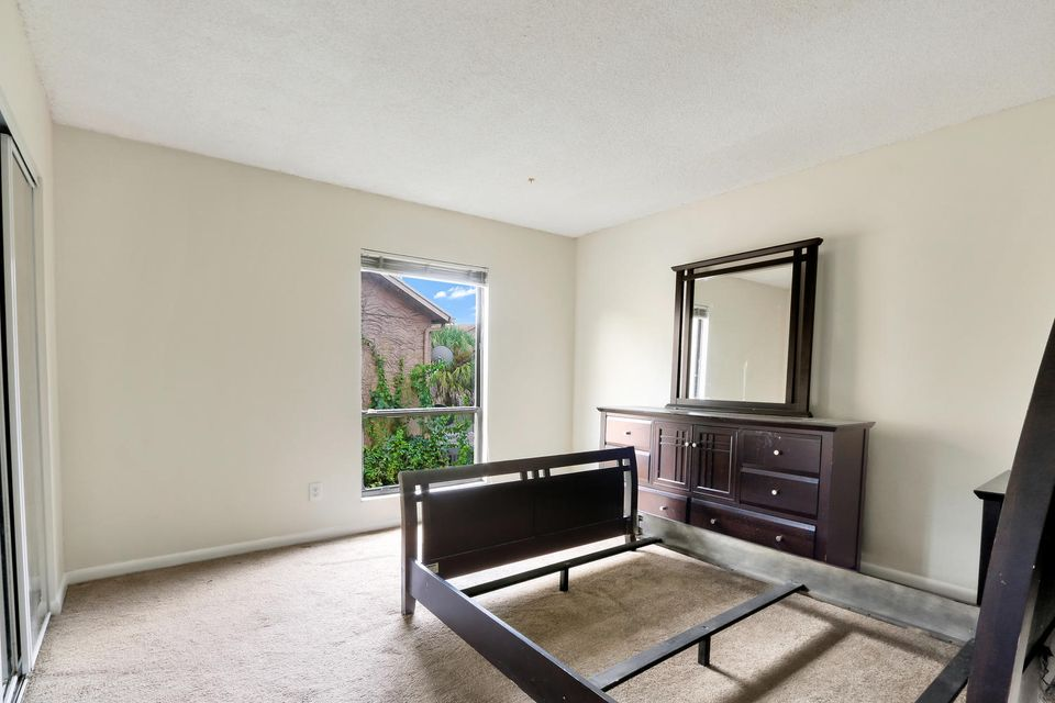 412  Sandtree Drive , Palm Beach Gardens FL 33403 is listed for sale as MLS Listing RX-10363555 photo #13