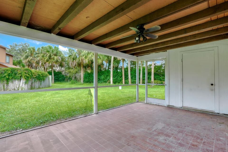 412  Sandtree Drive , Palm Beach Gardens FL 33403 is listed for sale as MLS Listing RX-10363555 photo #19