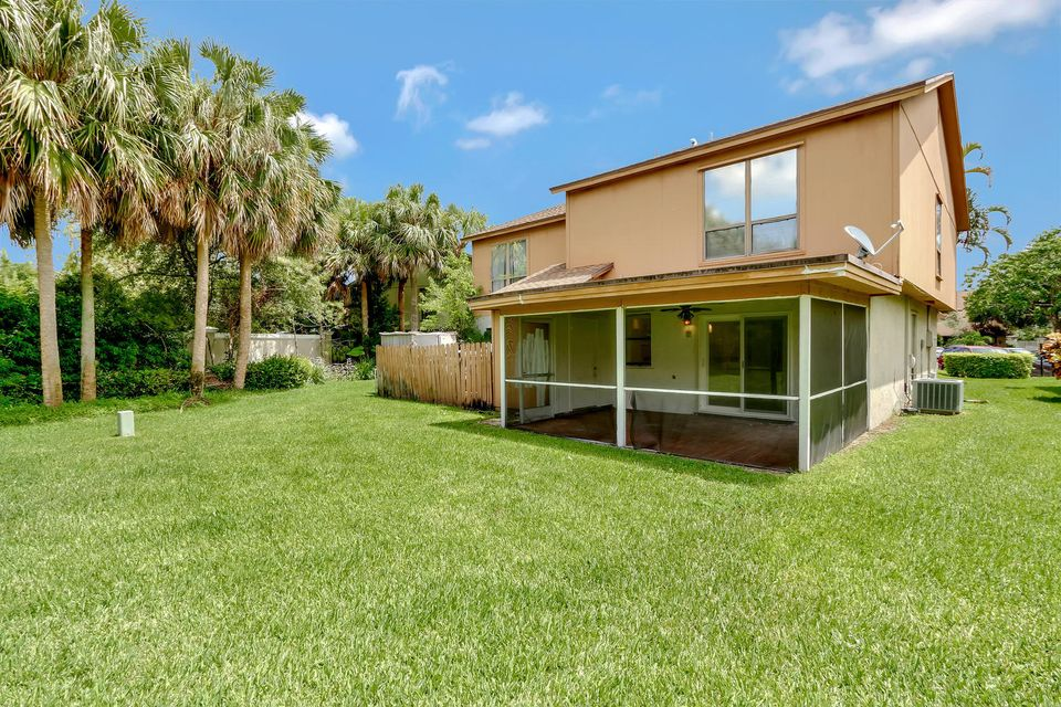 412  Sandtree Drive , Palm Beach Gardens FL 33403 is listed for sale as MLS Listing RX-10363555 photo #20