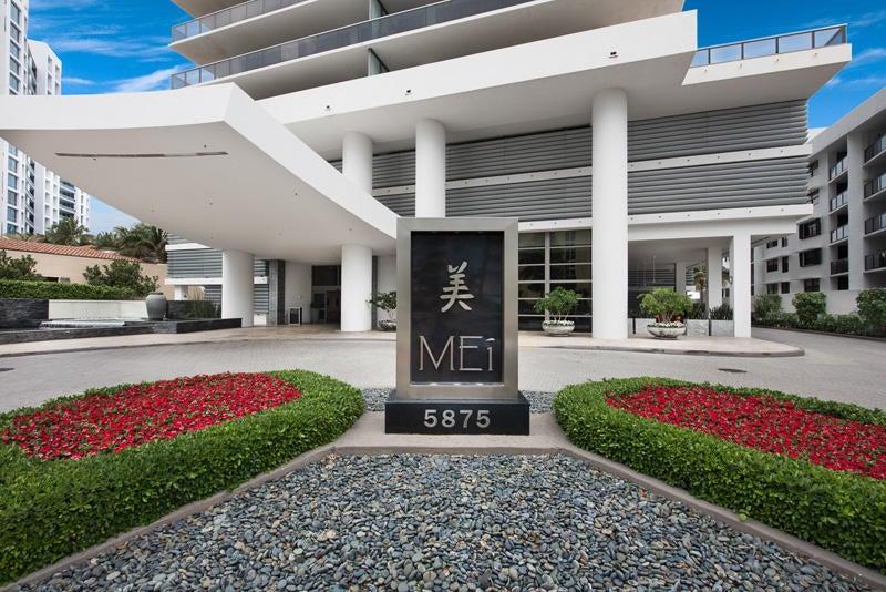 Condominio por un Venta en 5875 Collins Avenue # 1707 5875 Collins Avenue # 1707 Miami Beach, Florida 33140 Estados Unidos