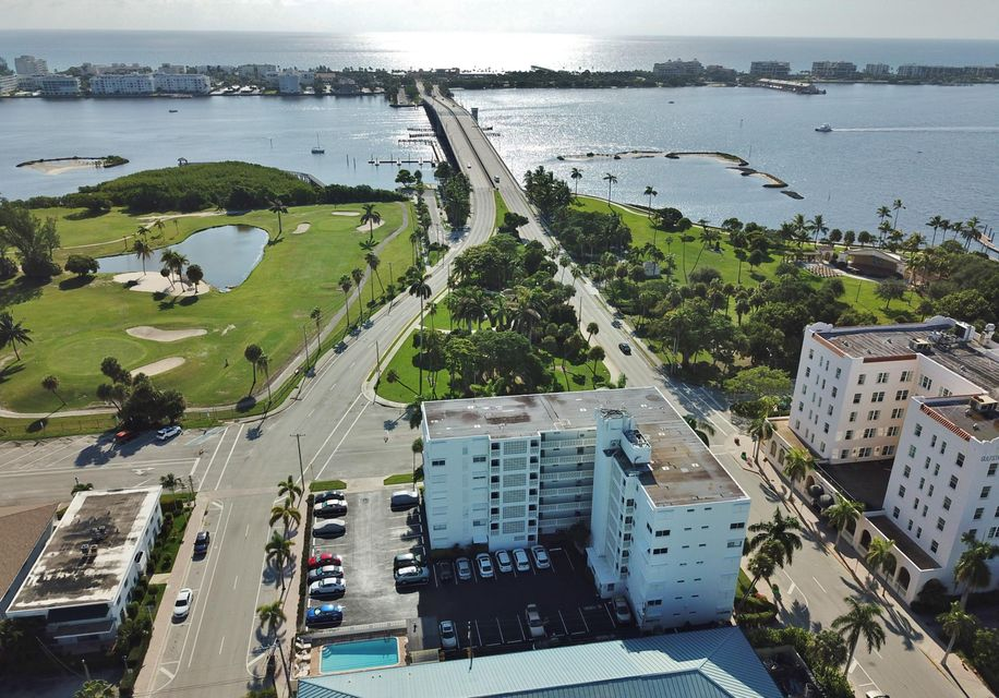 Co-op / Condominio por un Venta en 1 N Golfview Road 1 N Golfview Road Lake Worth, Florida 33460 Estados Unidos