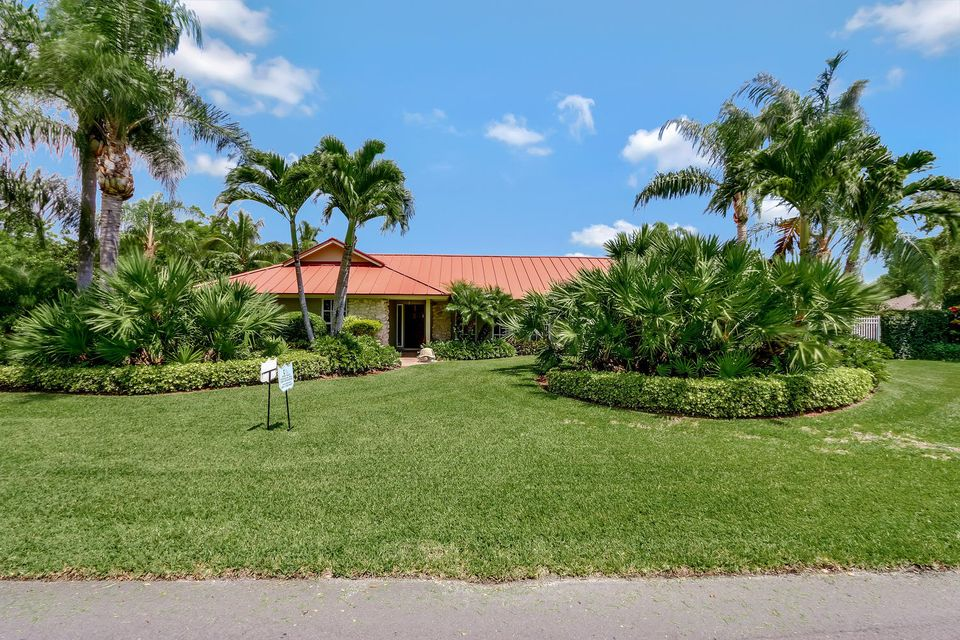 Single Family Home for Sale at 11 SE Turtle Creek Drive 11 SE Turtle Creek Drive Tequesta, Florida 33469 United States